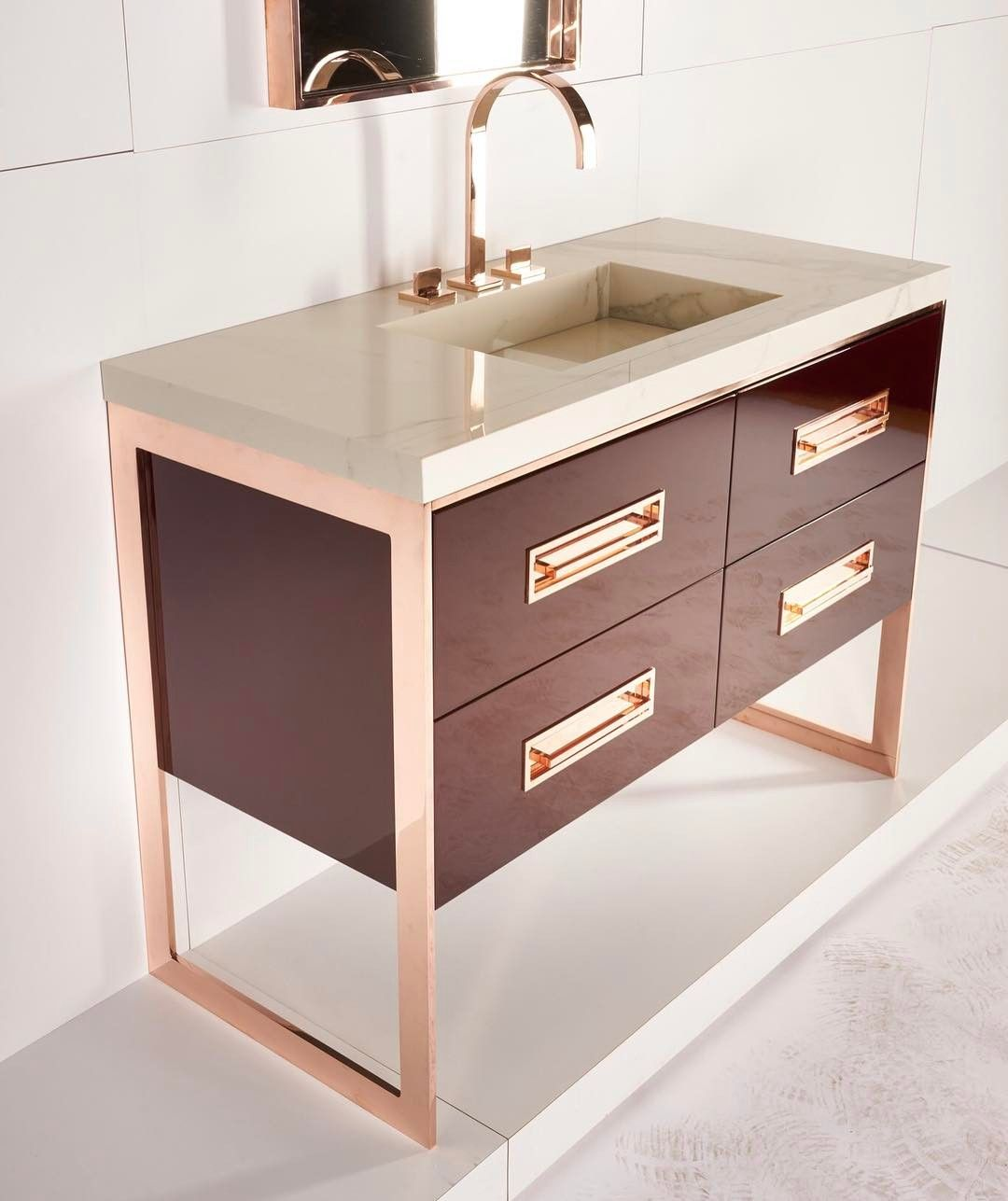 Only At Icff New Alton Design Shown In Rosegold And Aubergine