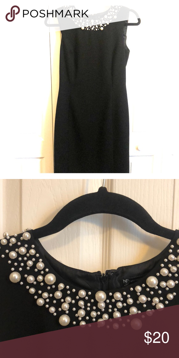 Black Dress And Pearls Very Slimming And Comfy For Convention Convention Outfits Fashion Modest Outfits