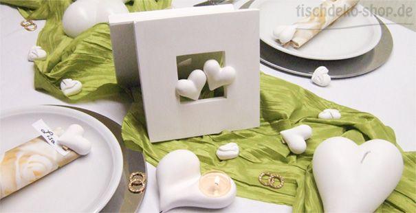 Hellgrüne frische Tischdeko zu Ostern