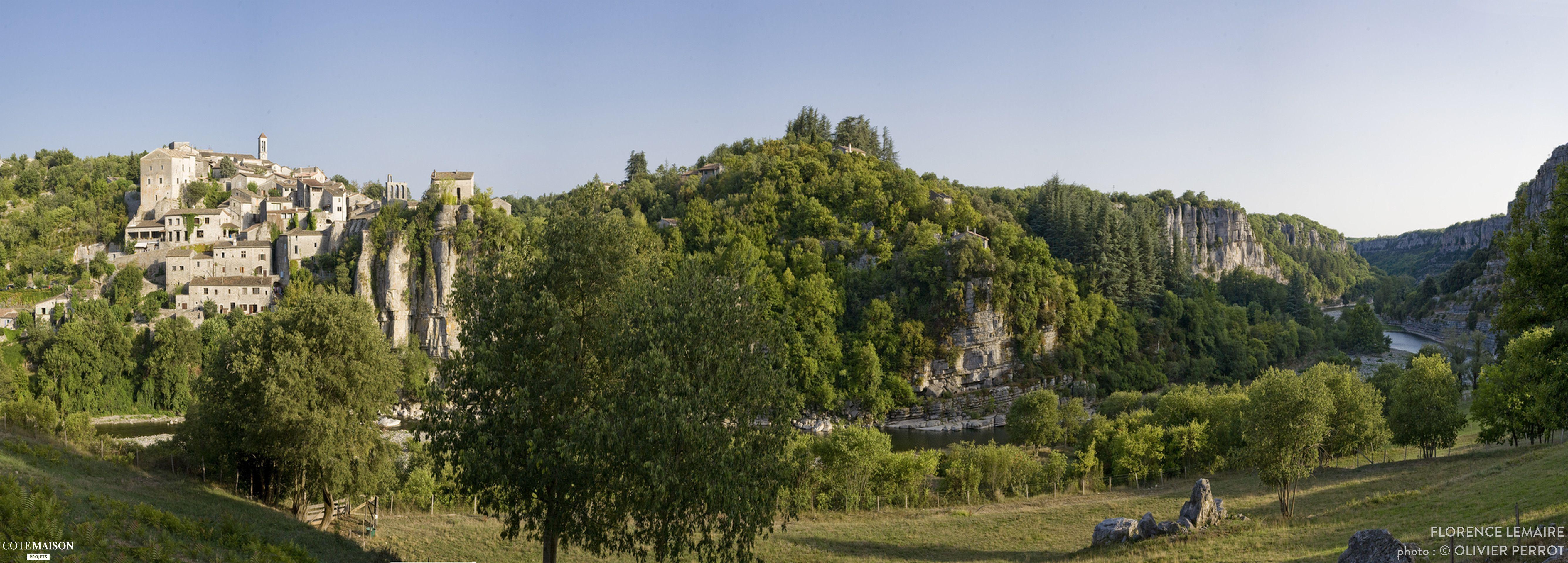 Au cœur de Balazuc labellisé plus beau village de France et