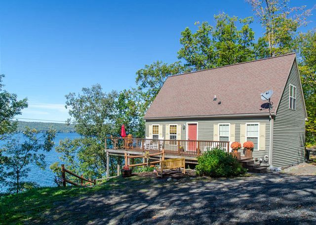 Seneca Lake Vacation Rentals All Decked Out Finger Lakes