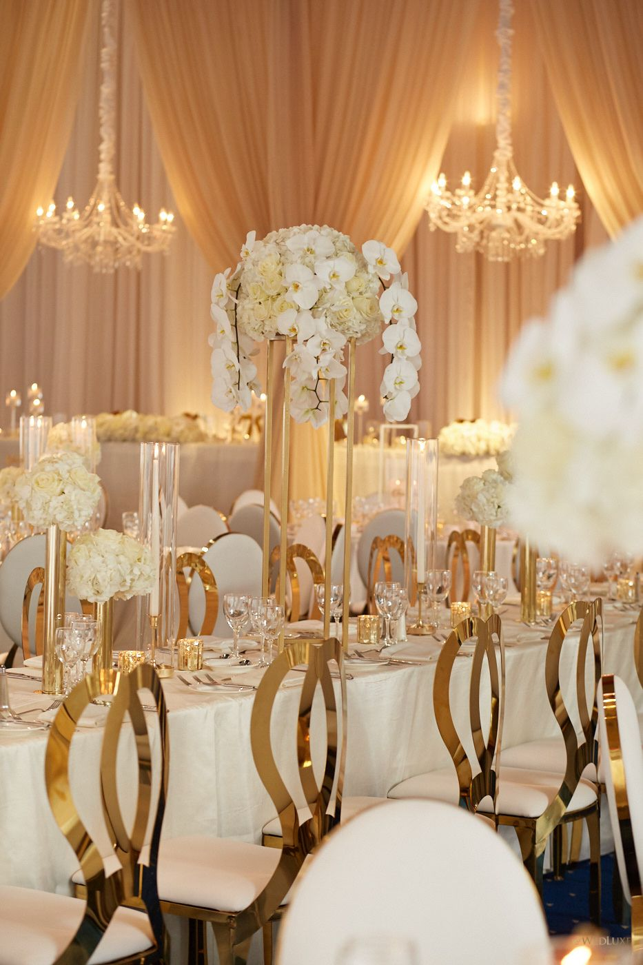 An Elegant White And Gold Wedding Yes Please Wedluxe Magazine Gold Wedding Decorations Gold Wedding Reception White Wedding Decorations