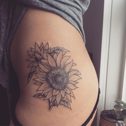 90+ Black and White Sunflowers Tattoo Design Ideas