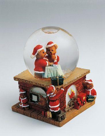 Teddy bears dressed as Santa Claus, snowglobe, 20th century