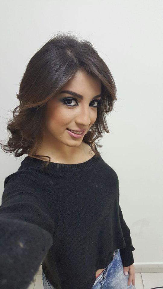 مجلة حلوة المشاهير ل استقبال اسطوري لنجمة ستار أكاديمي سهيلة في الجزائر فيديو Open Shoulder Tops Celebrities Women