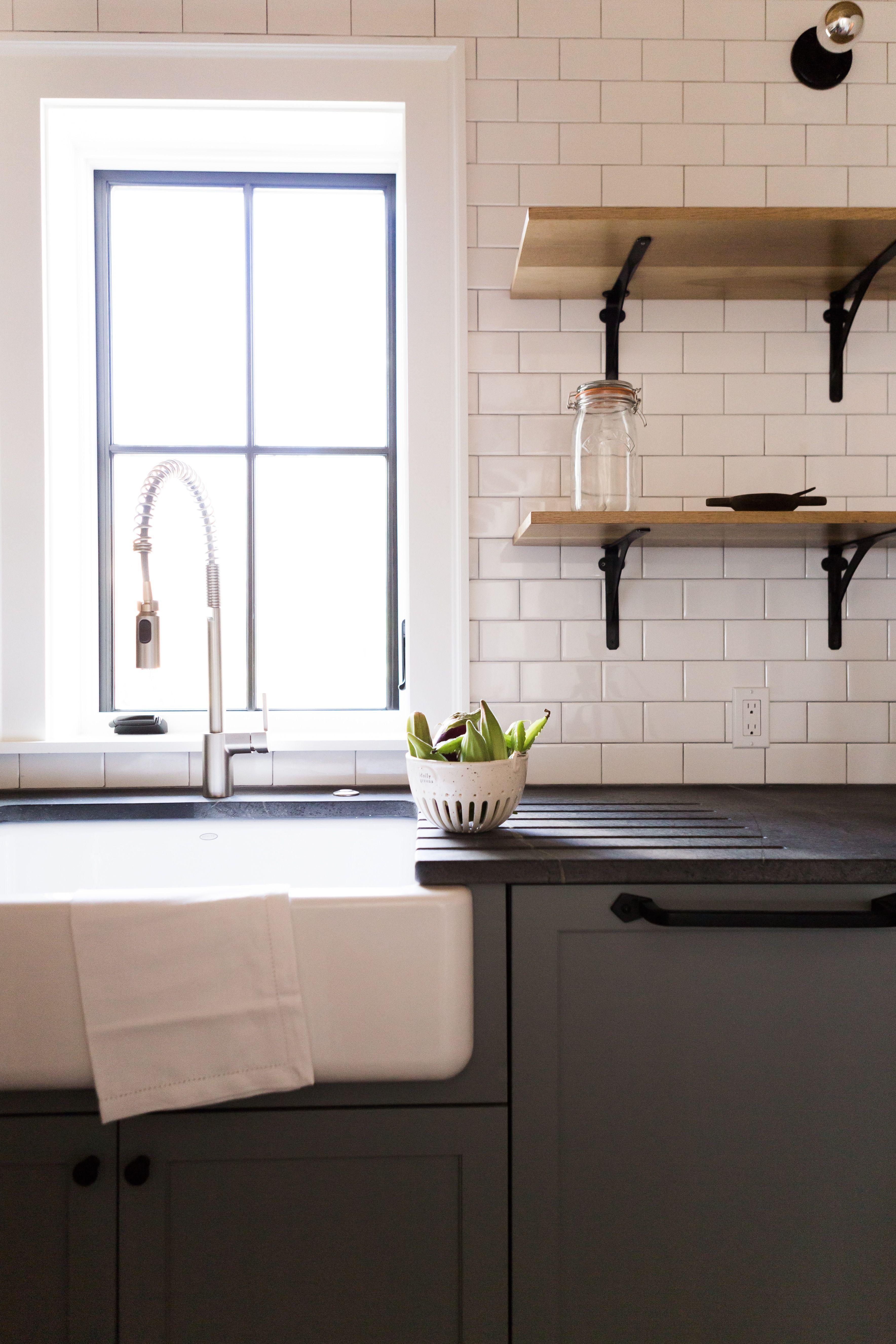 Küchendesignhaus farmhouse kitchen kitchendesign countertops cabinets