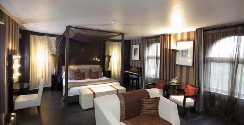 The Baglioni London Hotel Deluxe suite, for that special wedding ...