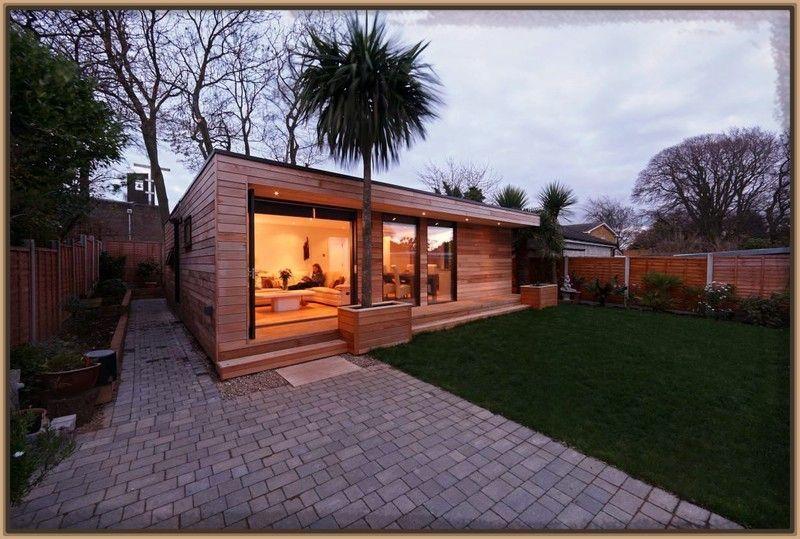 Fachadas de casas pequenas con escaleras exteriores Cocinas