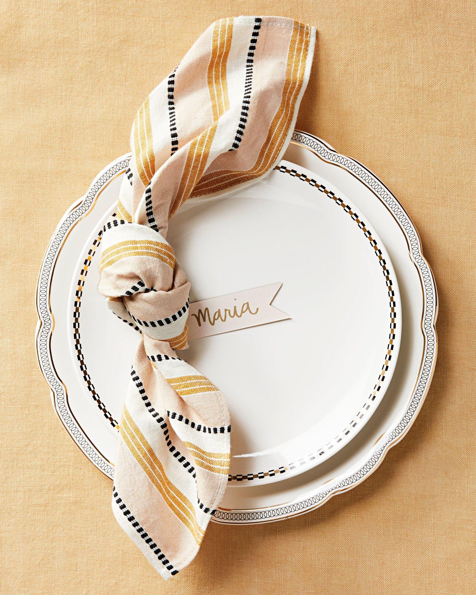 15 Ways to Fold a Napkin Beautifully #foldingnapkins