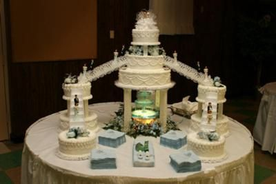 wedding cakes with fountain wedding cake with waterfall this cake was picked out and 26024