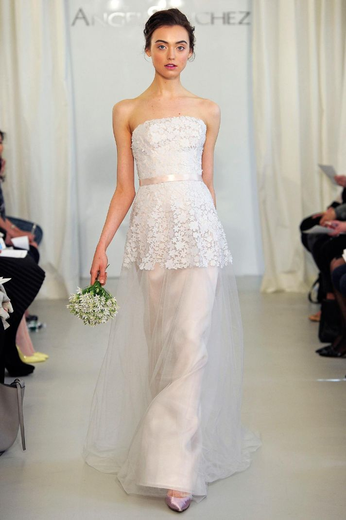 Sweet + sexy, this @Angel Kittiyachavalit SanchezPR gown with sheer tulle + lace is divine!