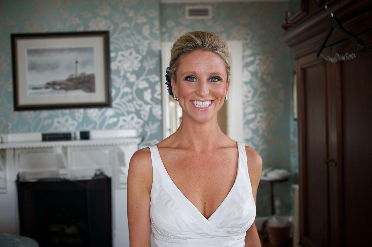 jennie kay beauty, bridal hair, bridal makeup, blonde, bouquet