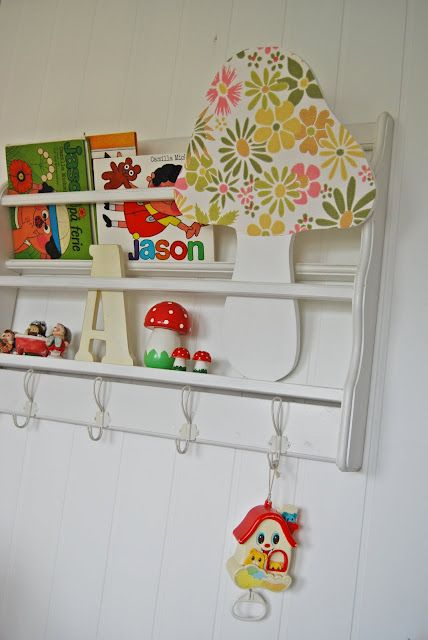 awesome idea! a mushroom themed child room...i love it!