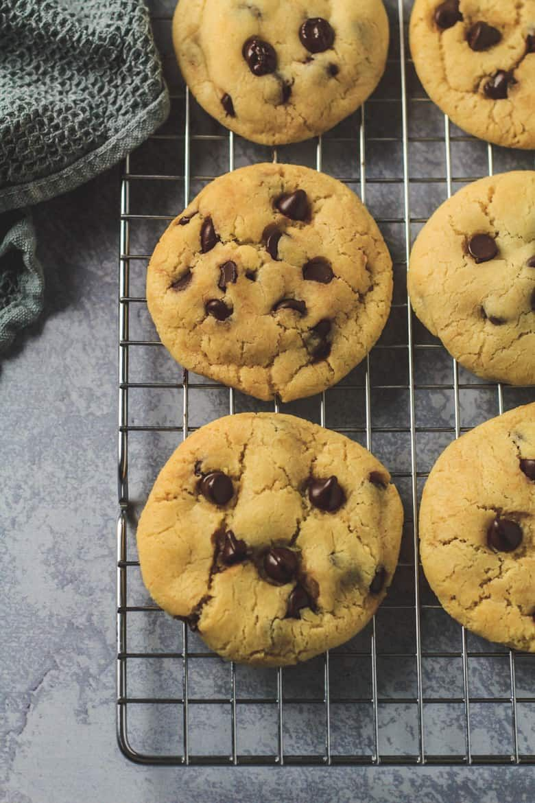 Condensed Milk Chocolate Chip Cookies Incredibly Thick Soft And Chewy Cookies That Are Made With Sweetened Condensed Milk Galletas Cosas Para Comprar Cosas
