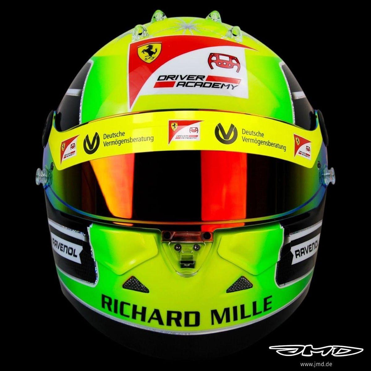 Mick Schumacher Formula 2 2020 In 2020 Fia Formula 2 Championship Helmet Helmet Paint