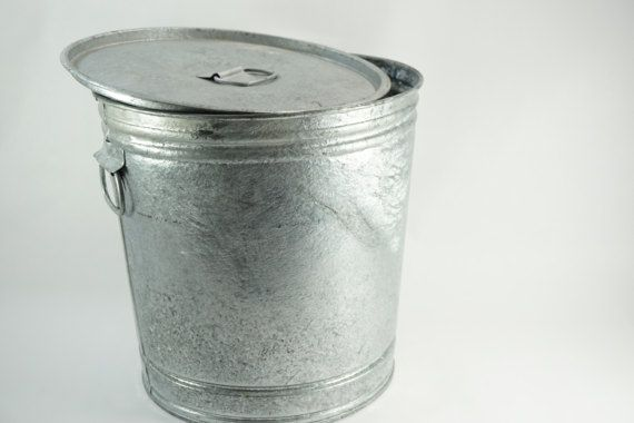 Galvanized Pail Industrial Metal Container 8 Gallon Bird Metal Containers Bird Seed Storage Galvanized
