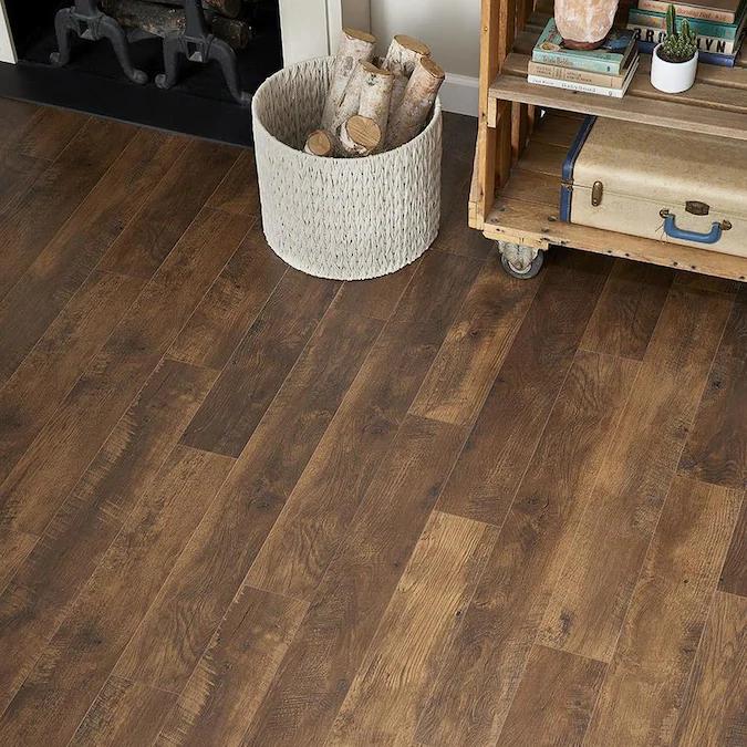 Quickstep Studio Spill Repel Frontier Oak 6 14 In W X 47 24 In L Embossed Wood Plank Laminate Flooring Lowes Com In 2020 Laminate Flooring Wood Planks Oak Laminate Flooring
