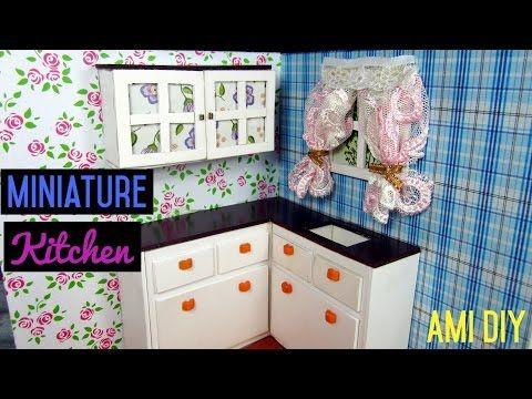 Dollhouse Miniature Kitchen Room 1 Cach Lam Tủ Bếp Cho Nha Bup Be Ami Diy Youtu Barbie Furniture Tutorial Dollhouse Miniatures Kitchen Miniature Kitchen