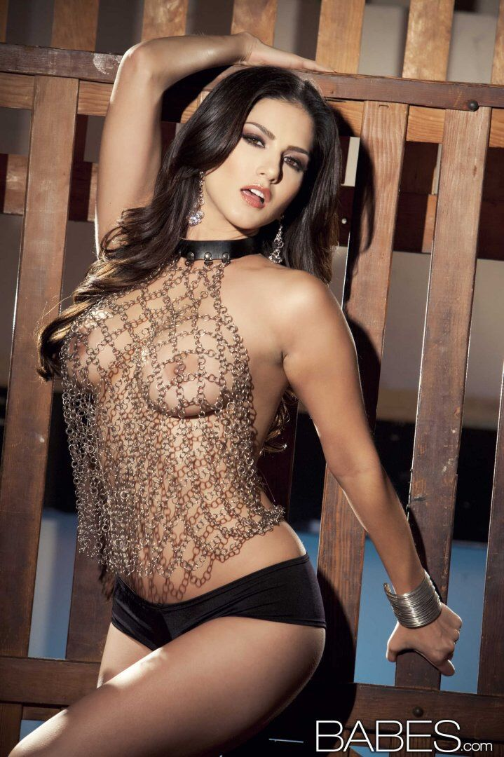 Sunny leone naked and nude