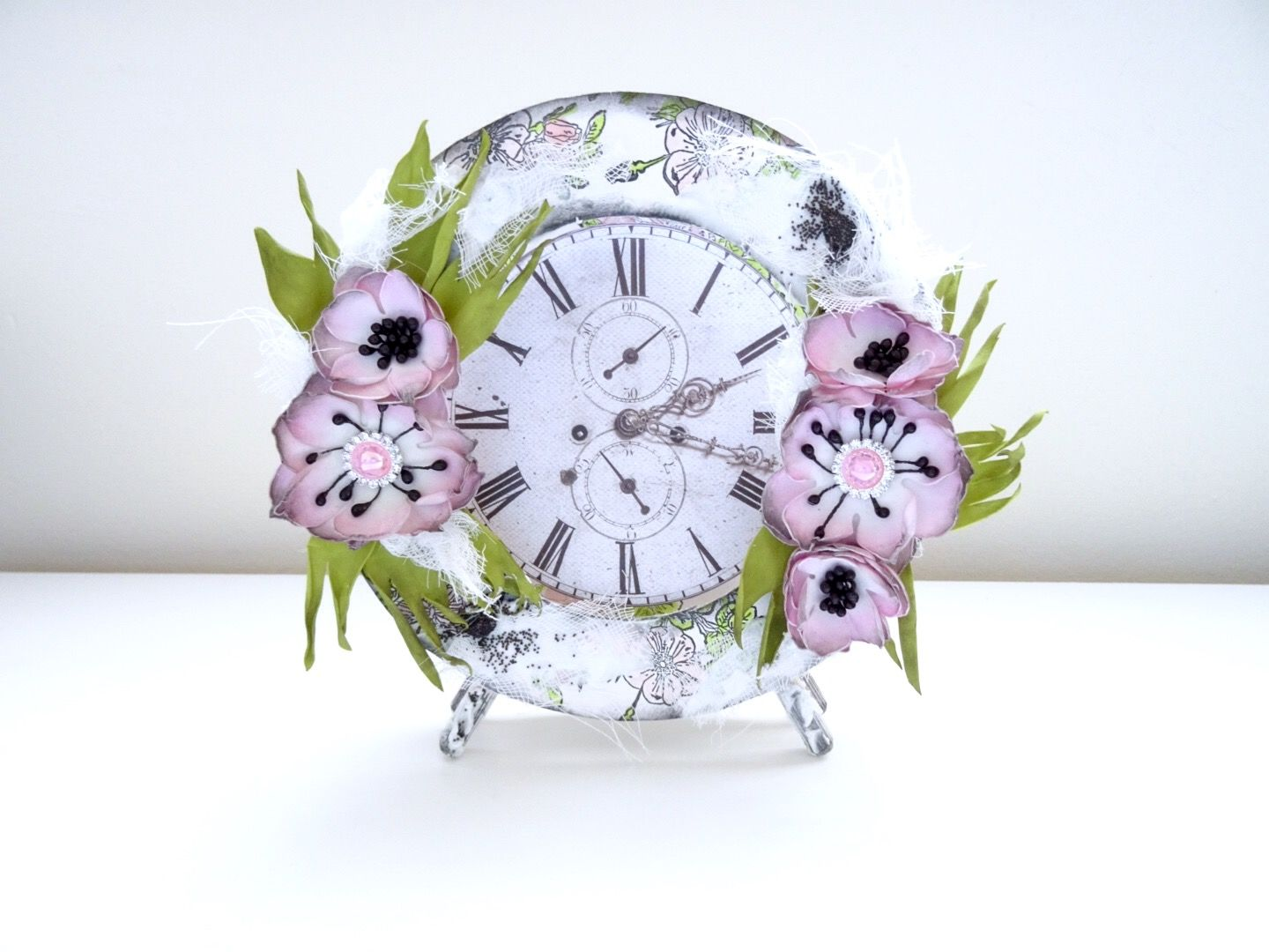 Handmade clock with foamiran flowers