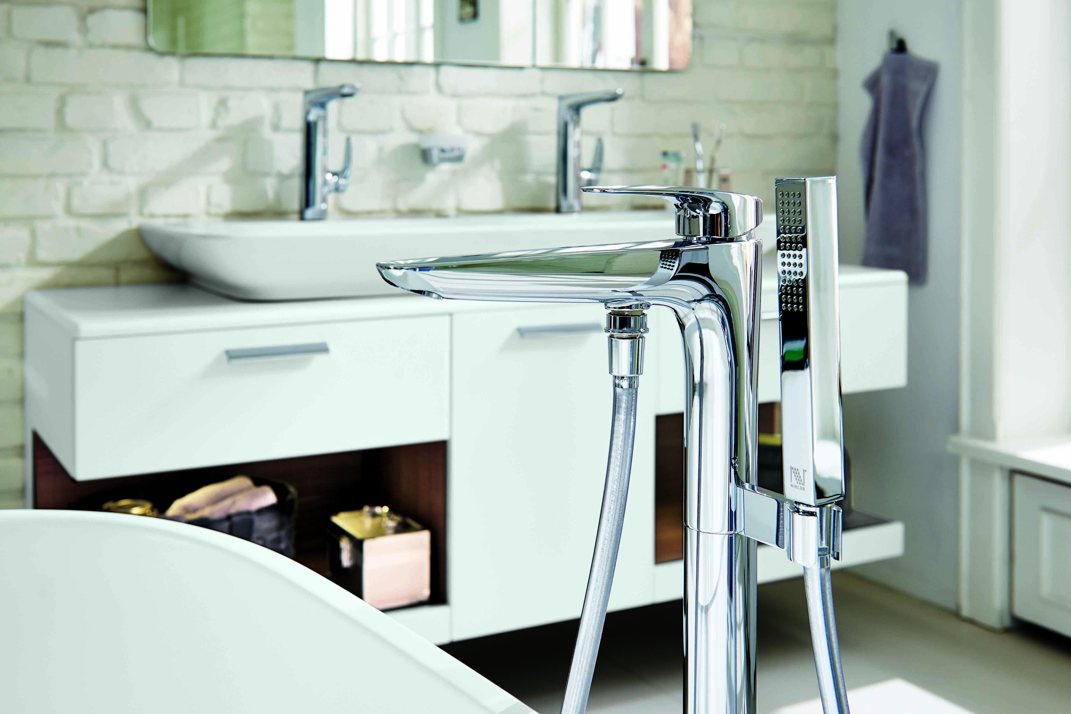 vigor white freistehende badewannenarmatur armaturen pinterest home decor home und furniture. Black Bedroom Furniture Sets. Home Design Ideas