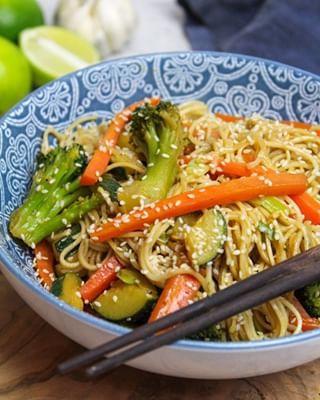 Gebratene Sesamnudeln   kitchensplace  – chinesische Rezepte