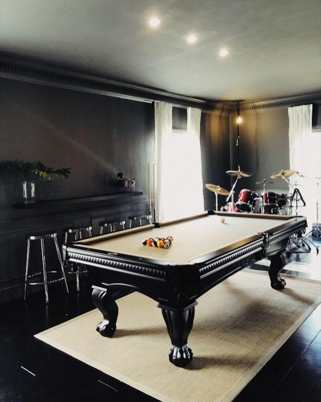 Photo of Poolzeit ???? (einen alten Billardtisch schwarz lackiert)