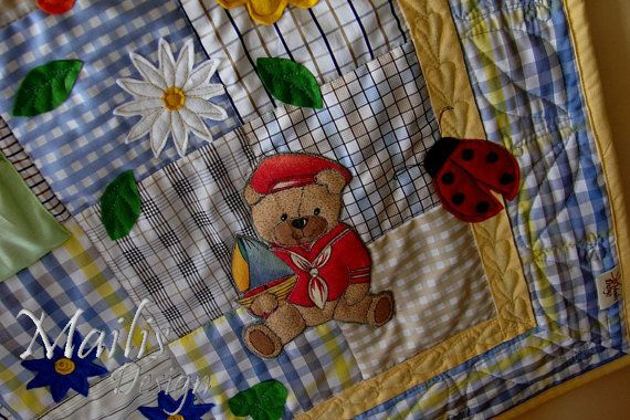 Patchwork quilt with applique baby quilt by QuiltsByMailisDesign, €145.00 ~ Winning Quilt!! ~ WINNER of the August QQQ Team SHOP HOP! Congratulations Mailis!! :-)etsycyberfleamarket.blogspot.co.nz