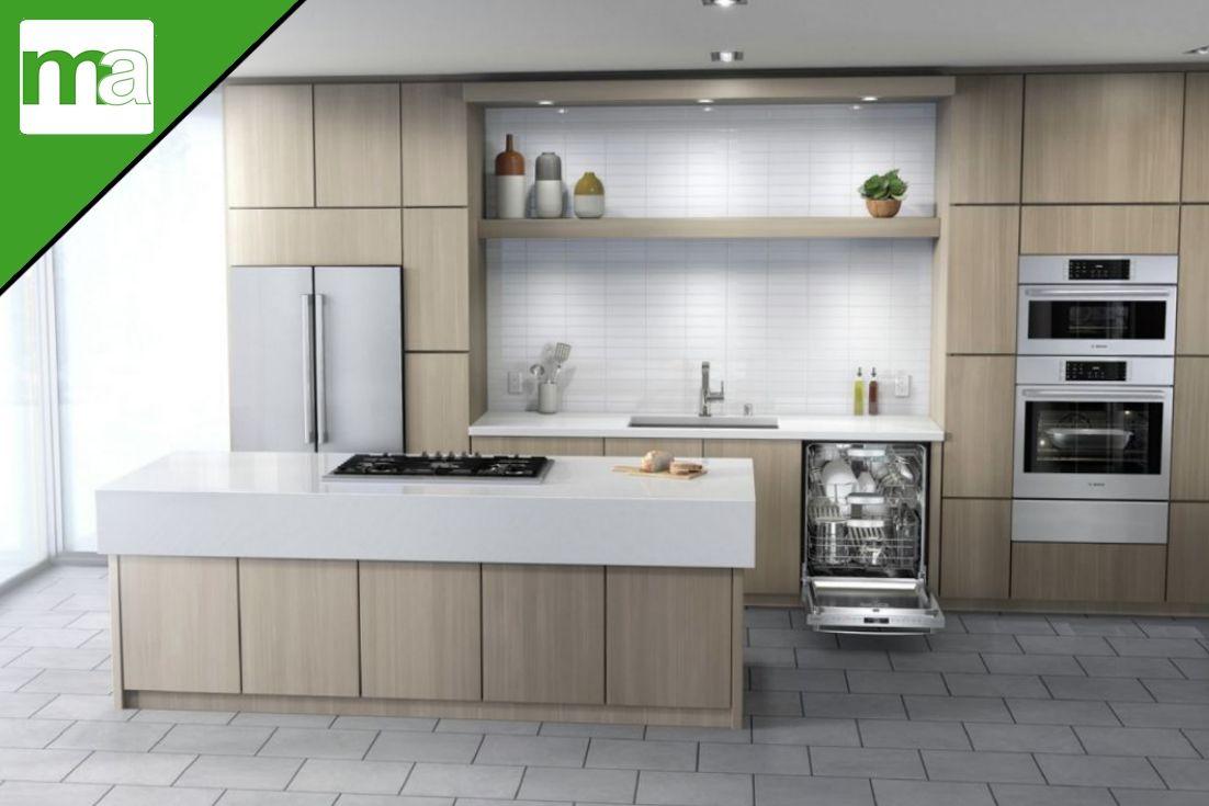 European Style Warm Kitchen W Island Cooktop Feat Bosch Appliances In 2020 Kitchen Plans Warm Kitchen French Door Bottom Freezer