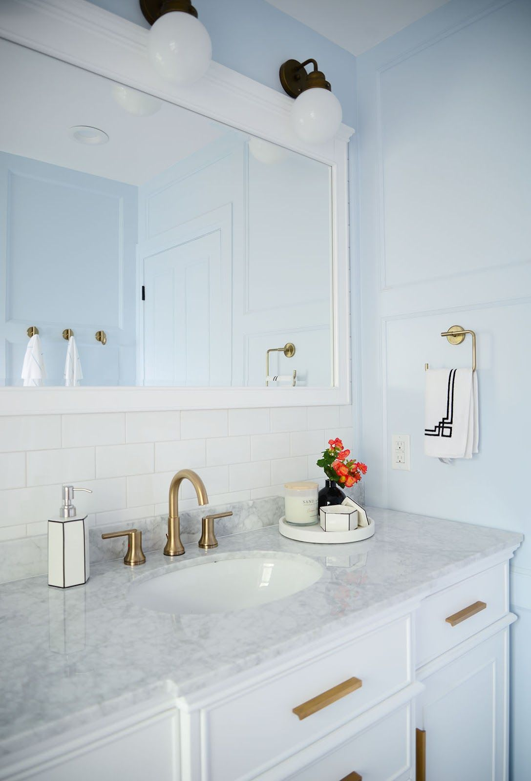 French Style Bathroom Renovation Bathroom Remodel Pictures Home Depot Bathroom Bathroom Interior Design