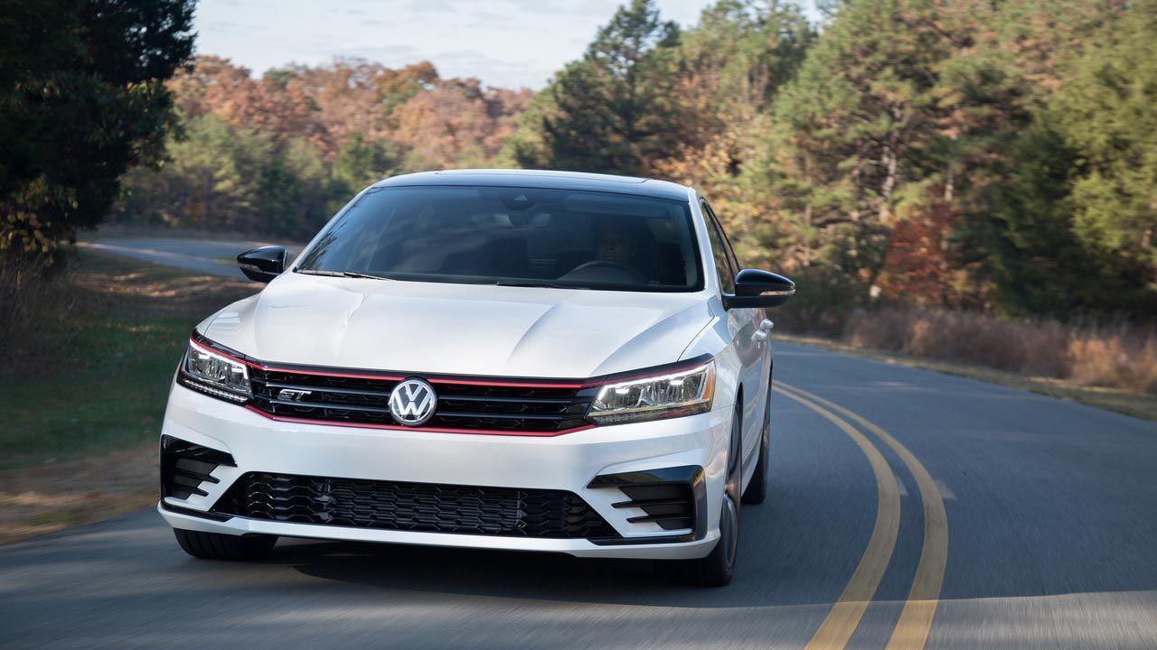 Vw Reveals Passat Gt Concept At 2016 La Auto Show Volkswagen Passat Volkswagen La Auto Show