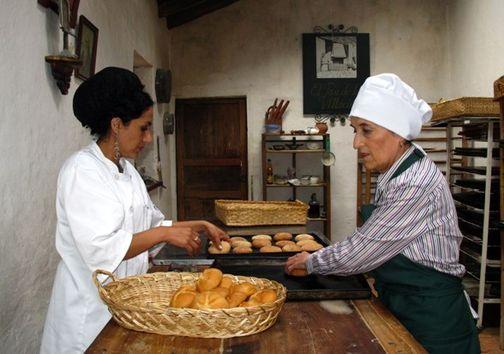El pan medicinal de las señoritas Villacís :: Taller del Nuevo Periodismo :: Cursos de Periodismo