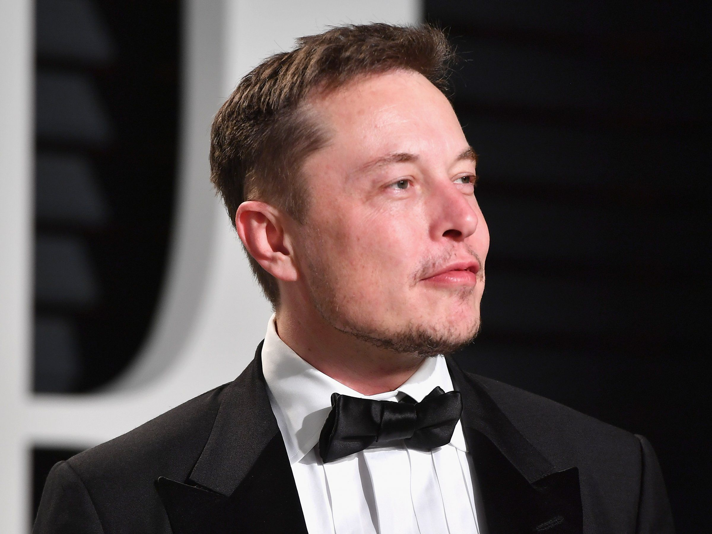 How Elon Musk Newly The 4th Richest Person In America Spends His Fortune Business Insider Elon Musk Elon Musk Tesla Elon