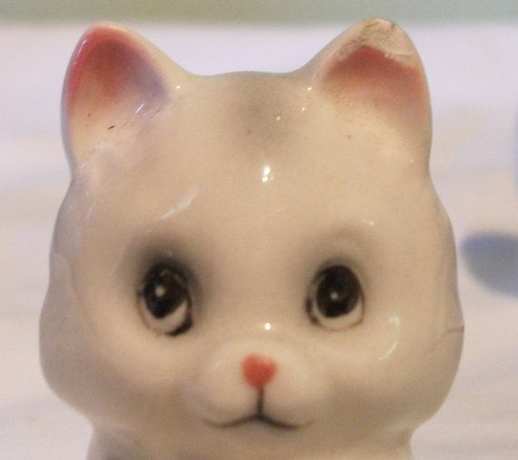 Vintage NORCREST Japan SALT and PEPPER Shakers Kittens by izzyboo, $9.50