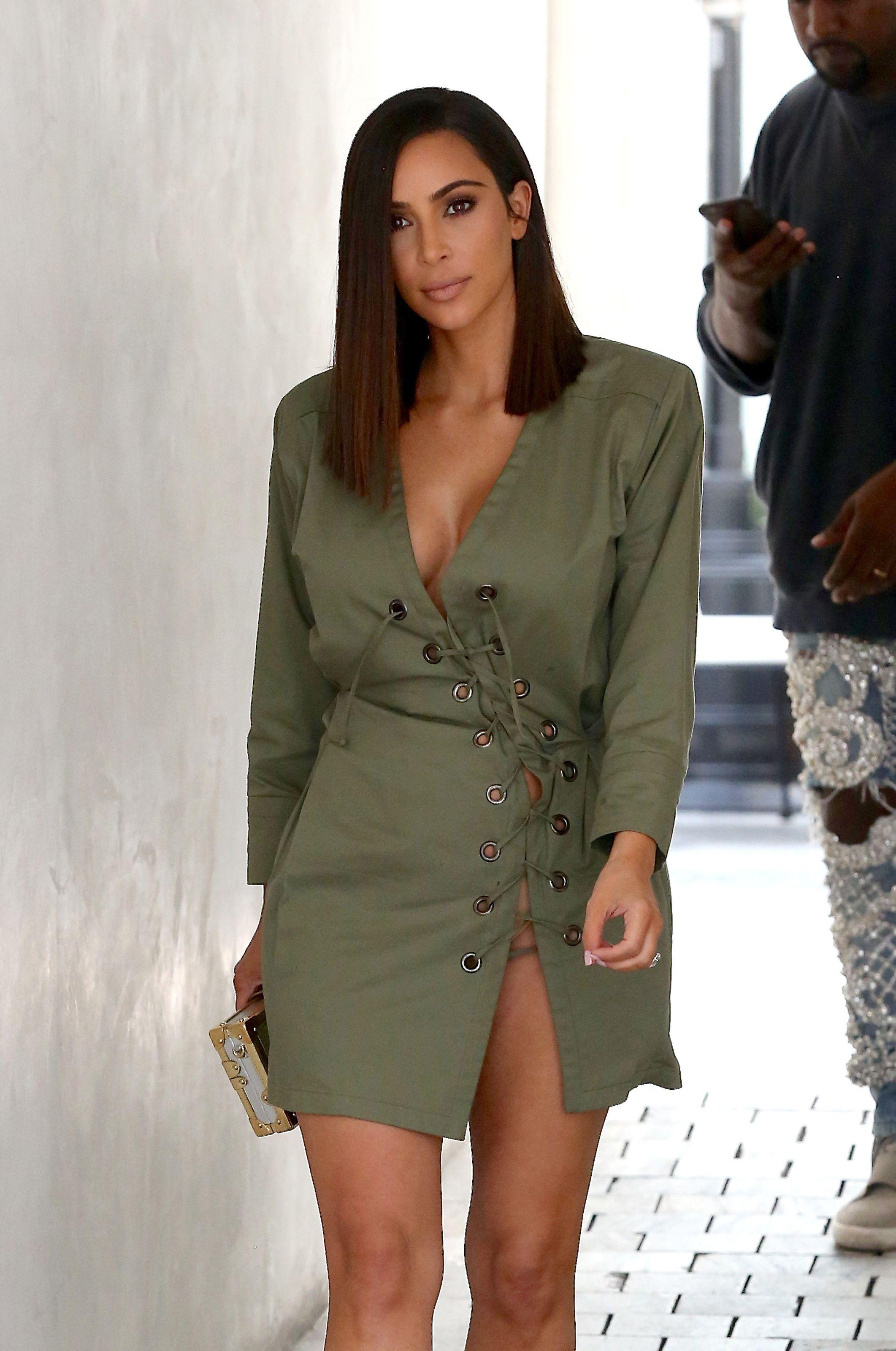 Kim K, Cara, Victoria Beckham : elles veulent toutes la même coupe | Carré long kim kardashian ...