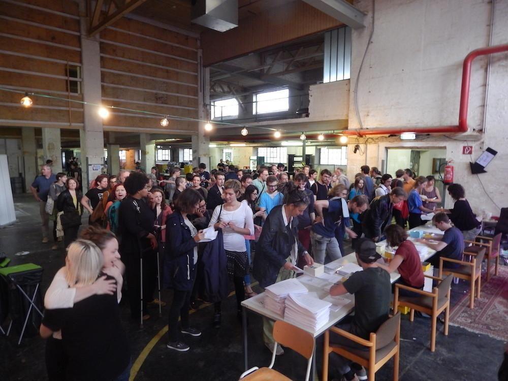 """""""Aufbruch"""": Jetzt organisieren sich die Linken in Österreich   VICE   Alps"""