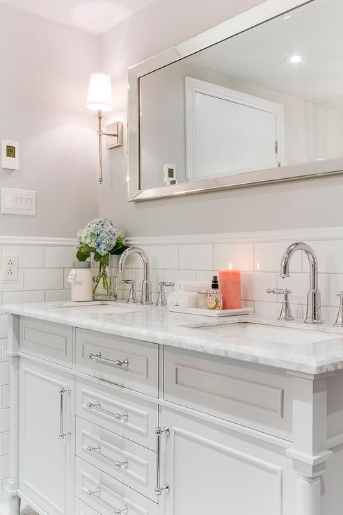 Chic Master Bathroom Features Upper Walls Painted Pale Gray Benjamin Moore Stonington Gray And Bot Light Grey Bathrooms Grey Bathroom Paint Bathrooms Remodel