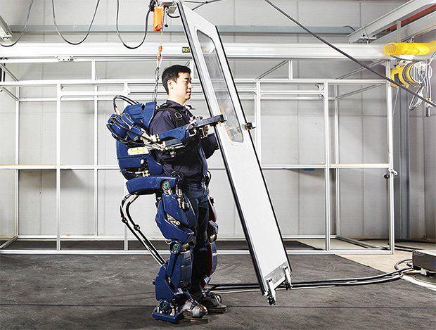 Η Hyundai δημιουργεί εξωσκελετό όμοιο με του Iron Man - http://secn.ws/23UQoof -   Οι εξωσκελετοί έχουν κάνει την εμφάνισή τους ευρέως στη λαϊκή κουλτούρα και έχουν δείξει τις ικανότητές τους. Επιτρέπουν στο χρήστη να ξεπεράσει τα όριά του και να άρει περισσότερο βάρος. Τώρα, η Hyundai