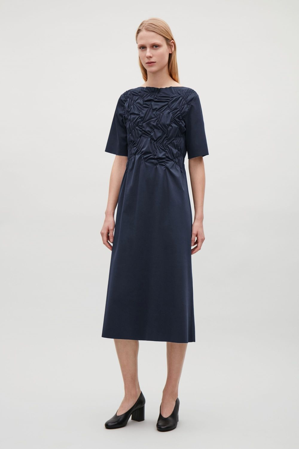31304f93ba00 Gathered mid-length dress - Navy - Dresses - COS AT