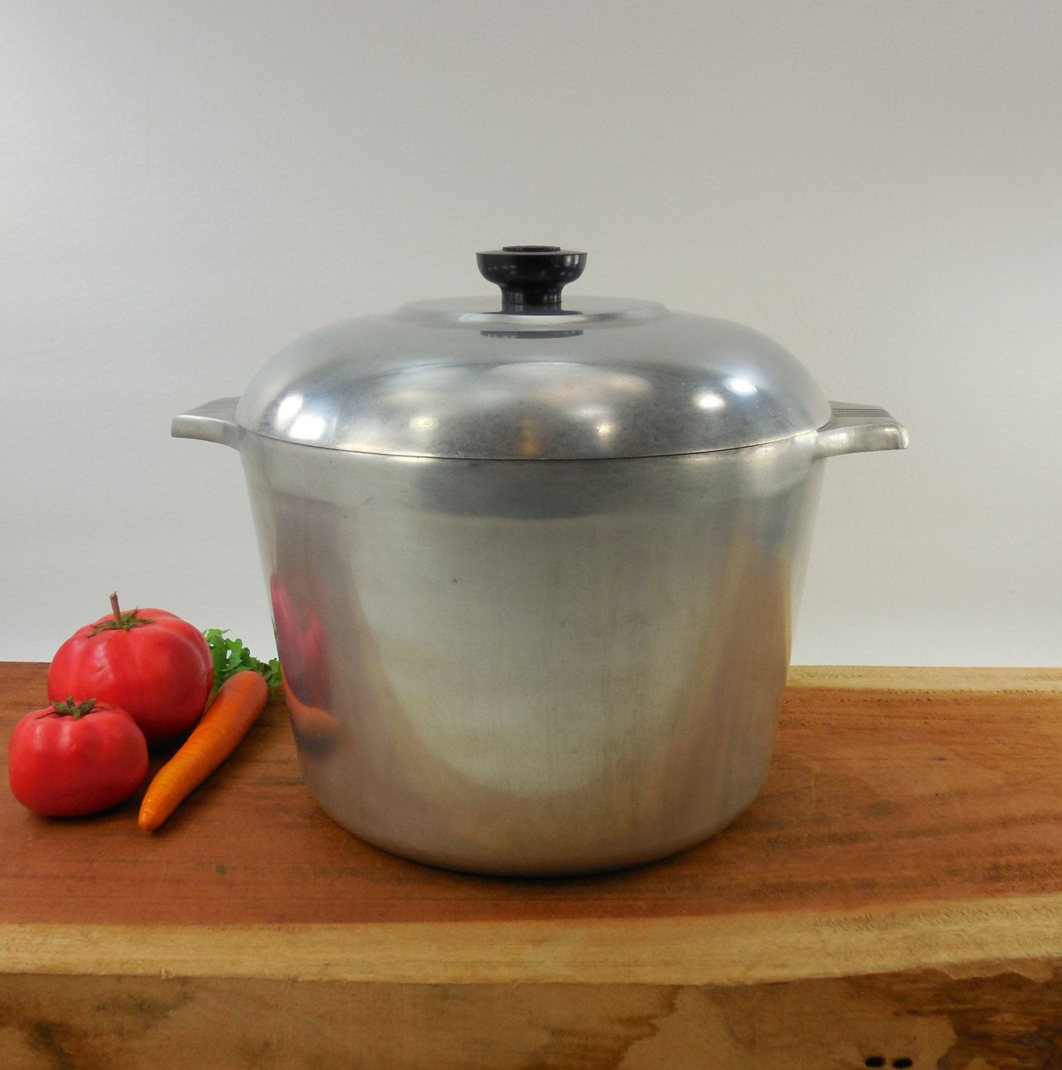Wagner ware magnalite 4738 p round roaster dutch oven stock pot 8 qt quart by oldetymestore on etsy