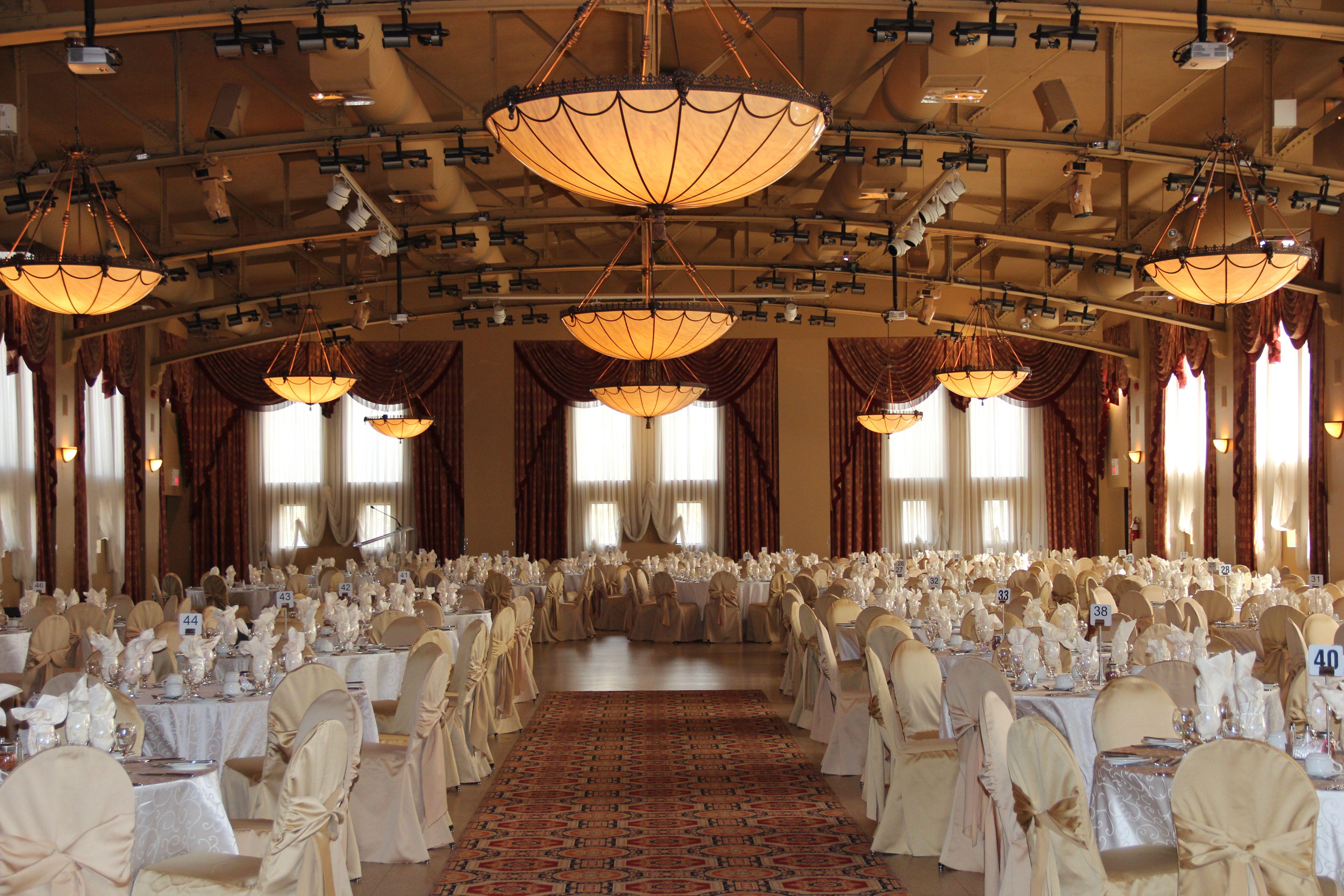 Grand Central Ballroom Liuna Station Hamilton Ontario Wedding Venue Banquet Hall