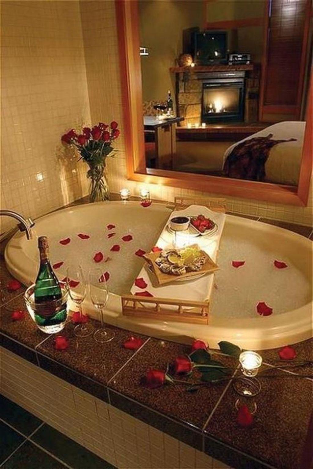7 Cute Bathroom Decoration Ideas With Valentine Theme - HOMYHOMEE