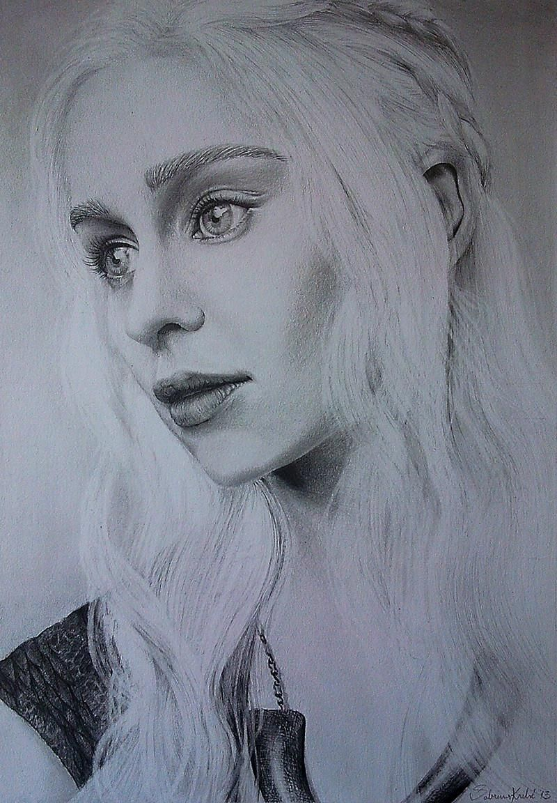 Pencil Drawing Of Emilia Clarke As Daenerys Targaryen 2013 Hbo S Game Of Thrones A Song Of Ice Game Of Thrones Artwork Targaryen Art Daenerys Targaryen Art