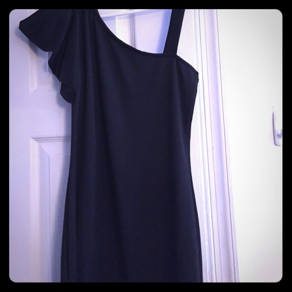Black one shoulder ruffled bodycon MIDI length. Black. Comfortable. Forever 21 Dresses