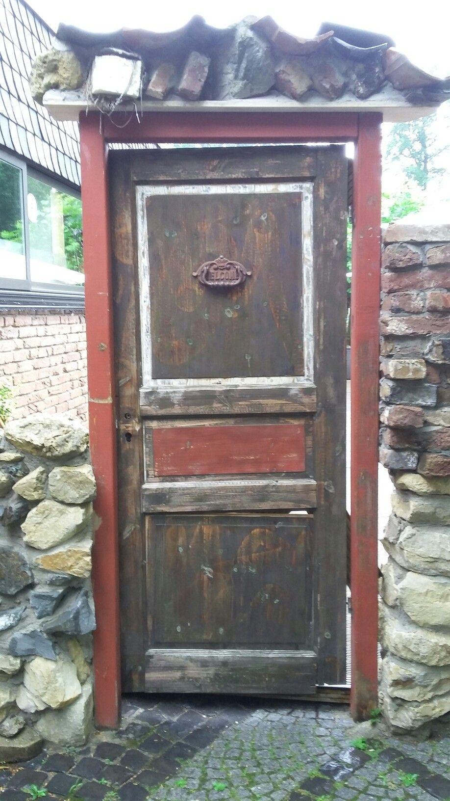 Alte Tür Deko alte tür deko an einem restaurant in brüggen foto s hopp