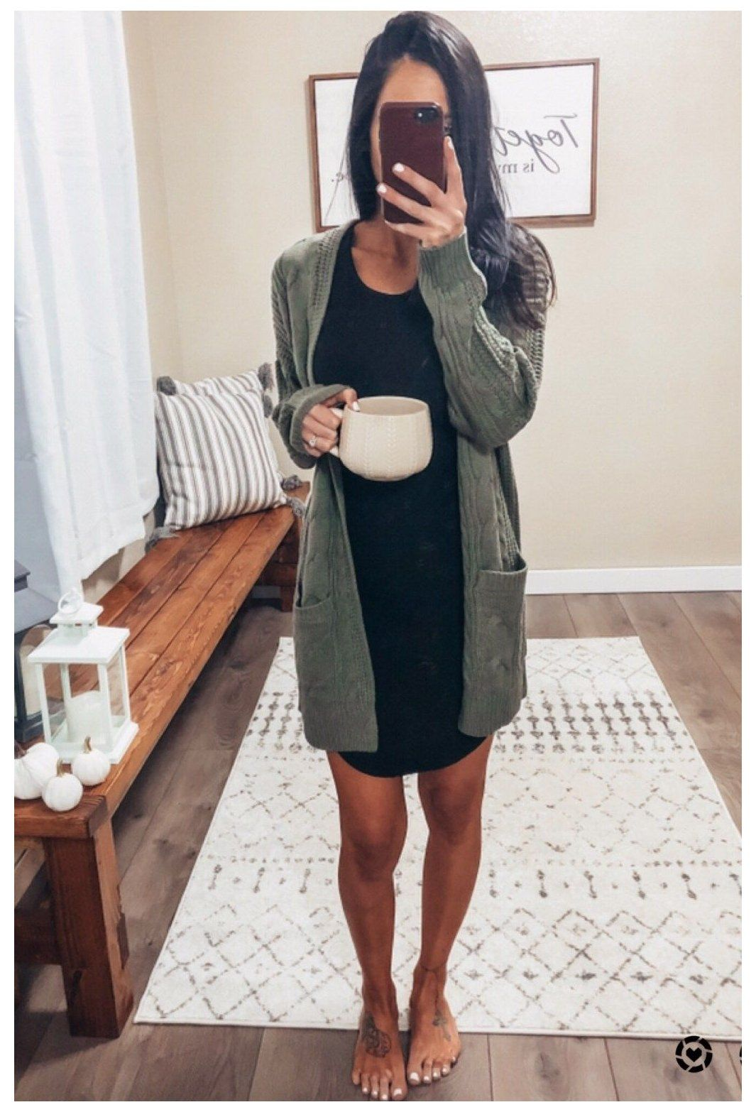 Minimalist Wardrobe Mixing Matching Repeating Dress And Cardigan Outfit Dressandcardiganoutfit If You R In 2021 Cute Winter Outfits Cute Fall Outfits Fashion [ 1566 x 1065 Pixel ]