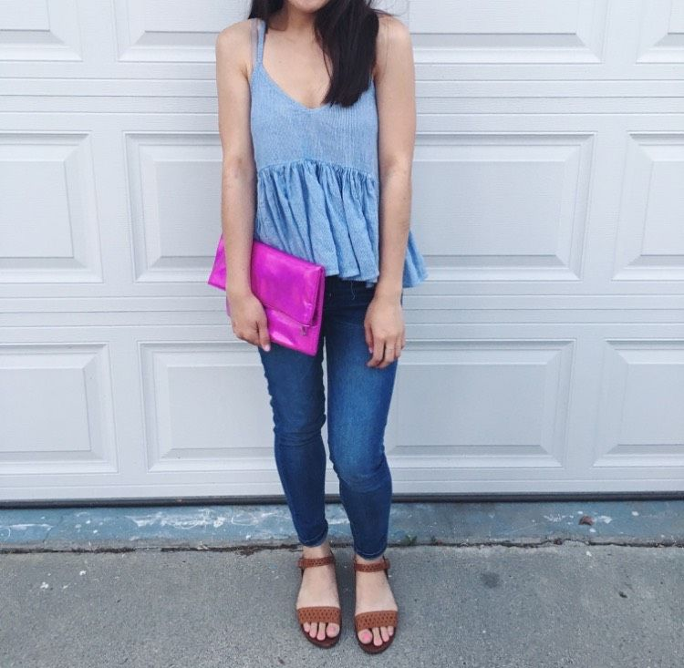 Cutest pink holographic clutch from Forever 21!