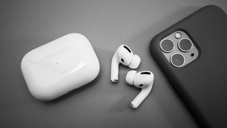 Apple To Bundle Airpods With Iphone 12 In 2020 Airpods Pro Headphones Apple Products