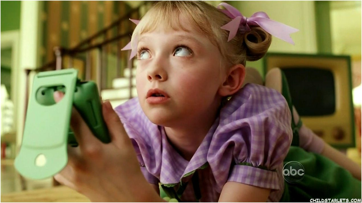 "dakota fanning 2003 photos | Dakota Fanning/""The Cat in ..."
