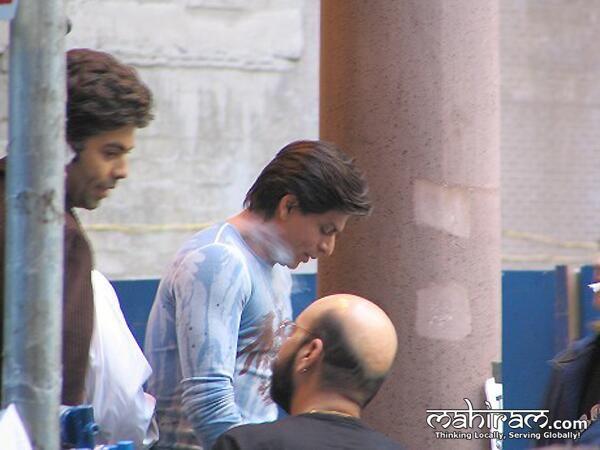 #SRK7Million @Omg SRK pic.twitter.com/EQZ2UD0f0Y
